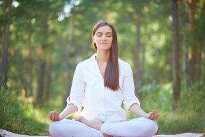 meditando in natura